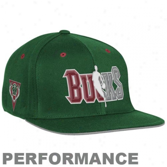 Milwaukee Bucks Cap : Adidas Milwaukee Bucks Green Official Draft Appointed time Fitted Cap