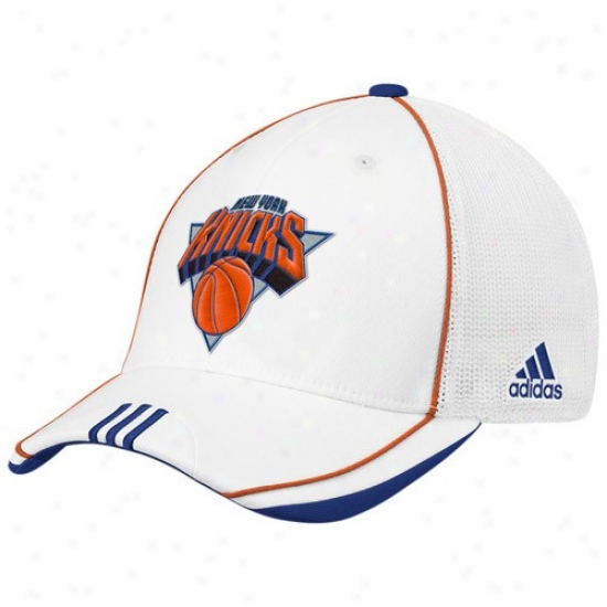 N Y Knick Gear: Adidas N Y Knick White 2010 Official On-court Mesh Back Flex Fit Hat