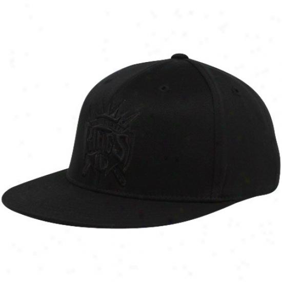 Sacramento King Hat : Adidas Sacramento King Black Tonal 210 Fitted Flex Hat