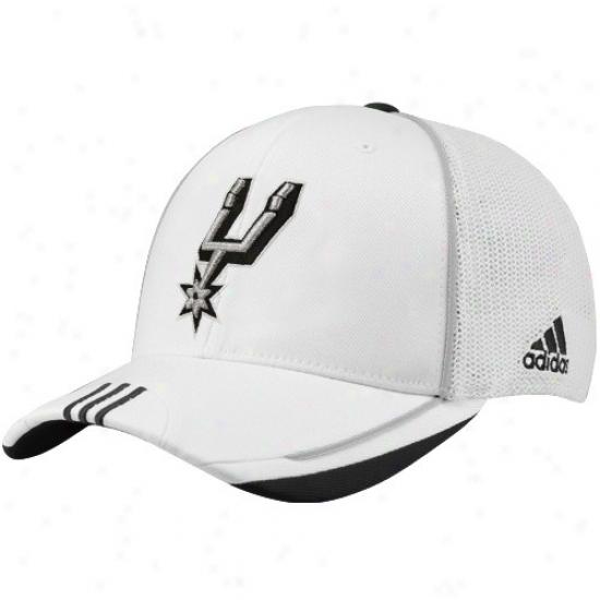 San Antonio Spur Gear: Adidas San Antonio Spur White 2010 Official On-court Mesh Back lFex Fit Hat