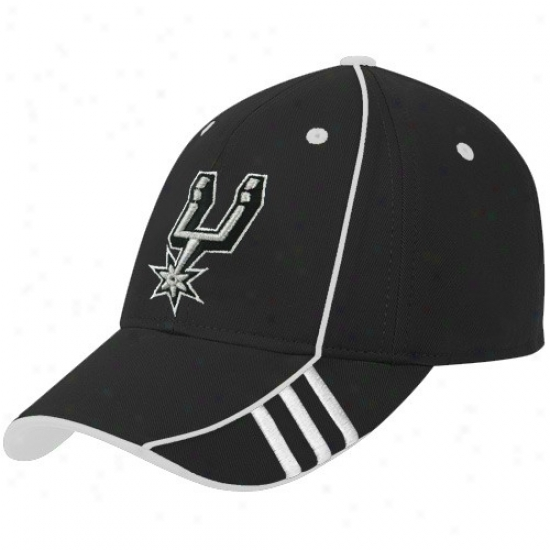 Spurs Caps : Adidas Spurs Black Official Team Adjustable Caps