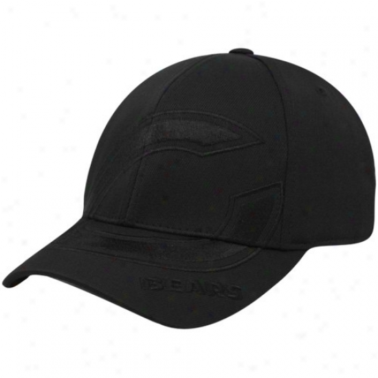 Bears Gear: Reebok Bears Black Tonal Structured Flex Fit Hat