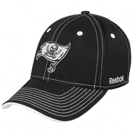 Bucs Cap : Reebok Bufs Black Plough Flex Fit Cap