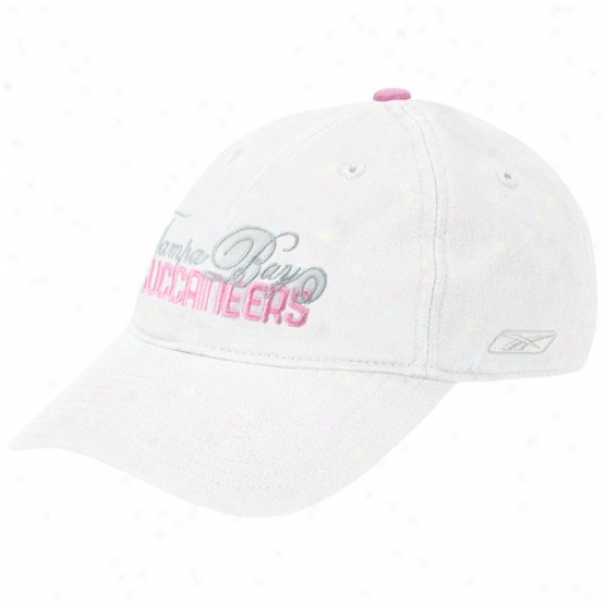 Bucs Hat : Reebok Bucs Ladies White Knack Slouch Adjustable Hat