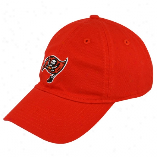 Bucs Hats : Reebok Bucs Ladies Red Basic Slouch Hats
