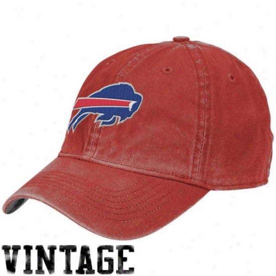 Buffalo Bill Merchandsie: Reebok Buffalo Bill Red Arm Flex Fit Vintage Hat
