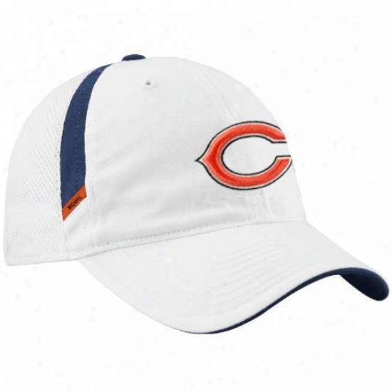 Chicago Bear Gear: Reebok Chicago Bear White Coaches Adjustable Mesh Back Cardinal's office