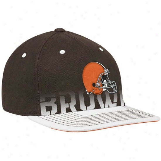 Cleveland Brown Caps : Reebok Cleveland Brown Brown Pro Shape Player Sideline Flex Caps