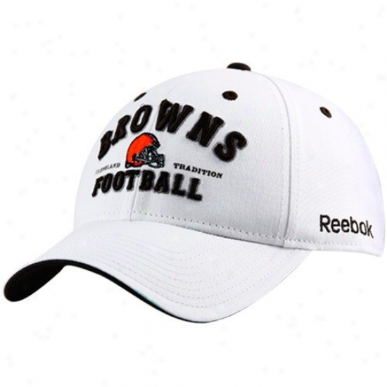 Cleveland Browns Cpas : Reebok Cpeveland Browns White Cleveland Tradition Adjuatable Caps