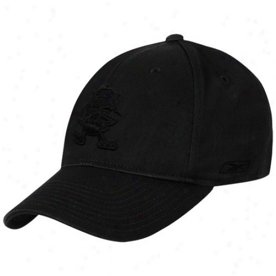 Cleveland Browns Gear: Reebok Cleveland Browns Black Team Logo Structured Flex Hat