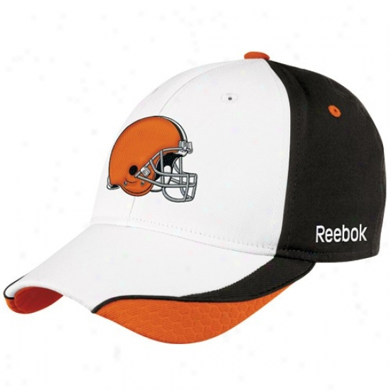 Cleveland Browns Gear: Reebok Clevelanx Browns White Sideline Flex Fit Hat