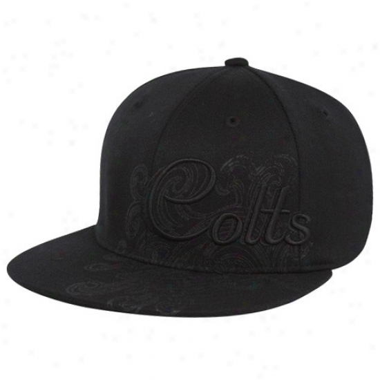 Colts Gear: Reebok Colts Black Fashion Flex Fit Hat