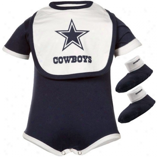Dallas Cowboys Infant Creeper, Bib & Bootie Set