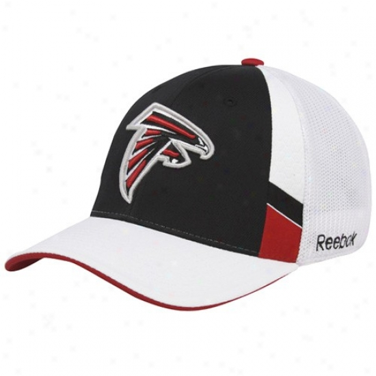 Falcons Gear: Reebok Falcons Black-white Structured Mesh Back Flex Fit Hat