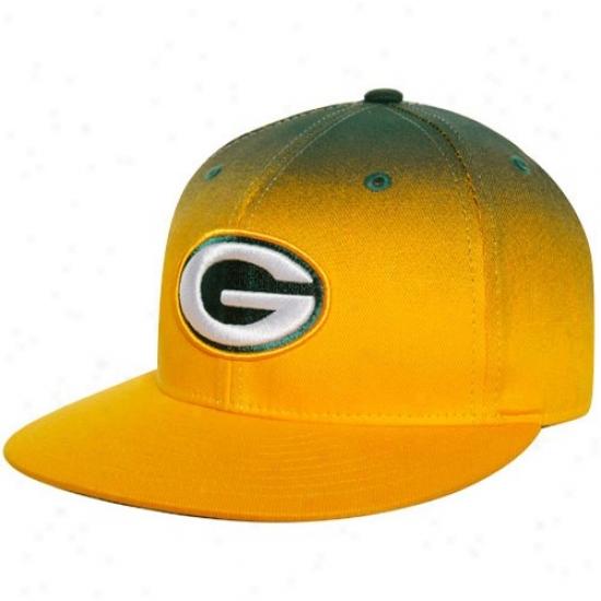 Green Bay Merchandise: Reebok Green Bay Gold-green Gradiated Fitted Hat