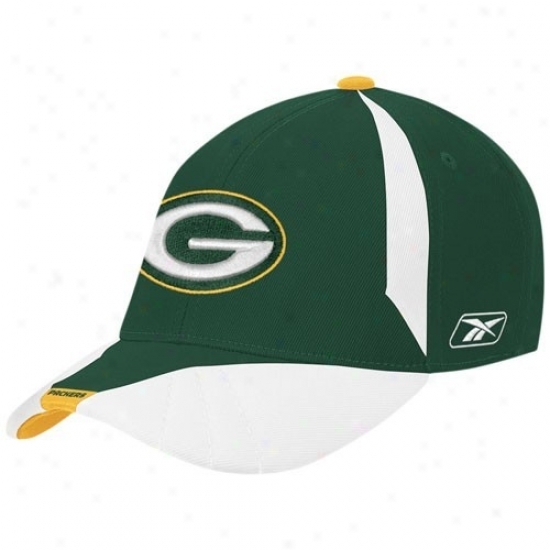 Green Bay Packers Hats : Reebok Green Bay Packers Youth White Player Sideline Fpex Fit Hats