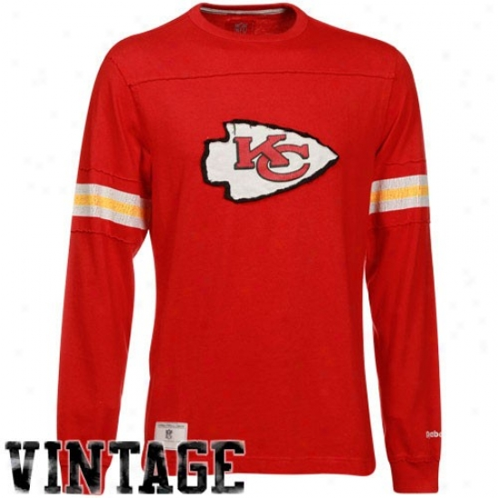 Kc Chief Tee : Rwebok Kc Chief Red Dstressed Throwback Applique Prwmium Long Sleeve Tee