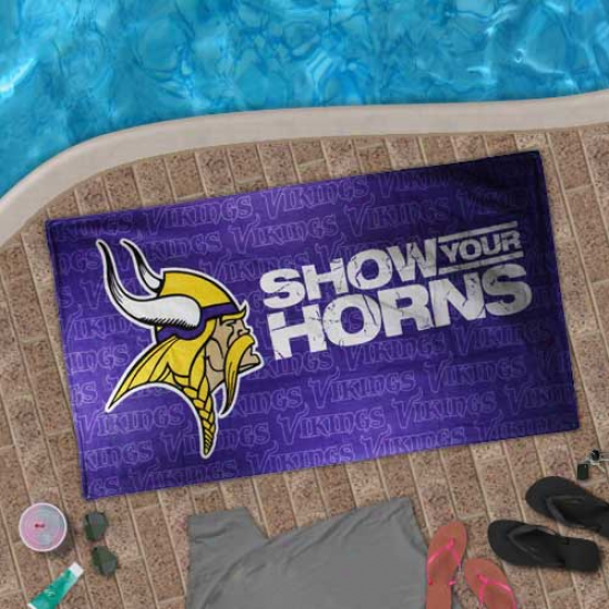 Minnesota Vikings Purple Show Your Horns Beach Towel