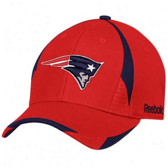 Starting a~ England Patriot Gear: Reebok New England Patriot Red Pro Shzpe Structured Flex Fit Hat