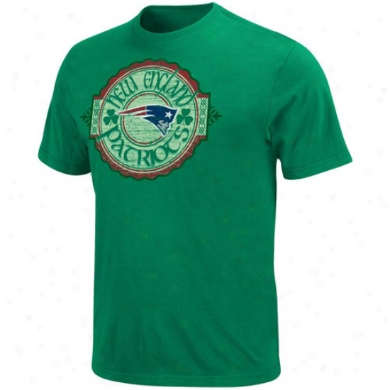New England Pats Attire: Repaired England Pats Kelly Green Irish Football T-shirt