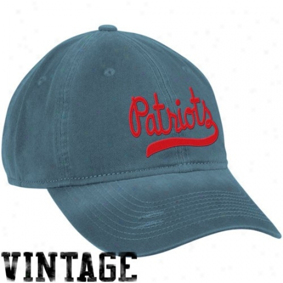 New England Pats Merchandise: Reebok New England Pats Ladies Navyy Blue Retro Slouch Adjustable Hat
