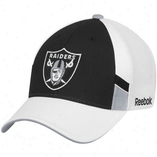 Oakland Raider Hats : Reebok Oakland Rzider Black-white Srructured Mesh Back Flex Fit Hats