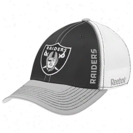 Oakland Raider Hats : Reebok Oakland Raider White-black Loopers Flex Fit Hzts