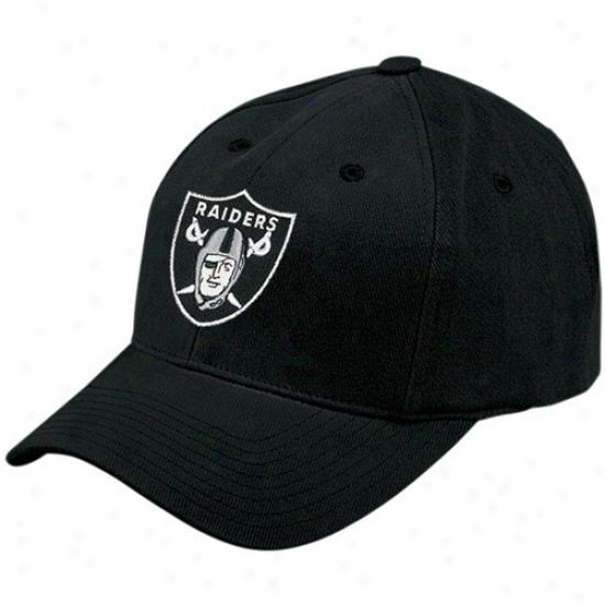 Oakland Raiders Gear: Reebok Oakland Raiders Black Youth Basic Logo Adjustable Hat