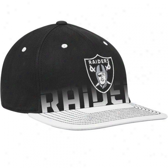 Oakland Raiders Gwar: Reebok Oakland Raiders Youth Black Pro Shape Player Sideline Flex Hat