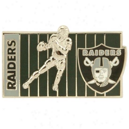 Oakland Raiders Merchandise: Oakland Rauders 3d Football Player On The Field Pin