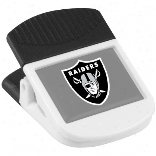 Oakland Raiders Whtie Magnetic Chip Clip