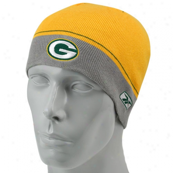 Pacoers Hat : Reebok Packers Gold Youth Player Winter Skully Knit Beanie