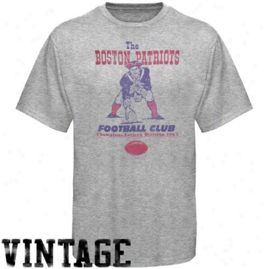 Patriots Apparel: Junk Food Boston Patrlots Ash Vintage Distressed Logo T-shirt