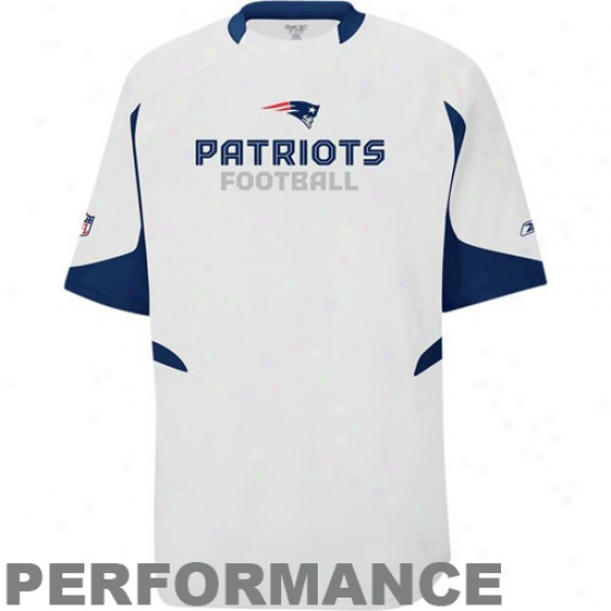 Patriots Shirt : Rewbok Patriots White Lift Performance Crew Top