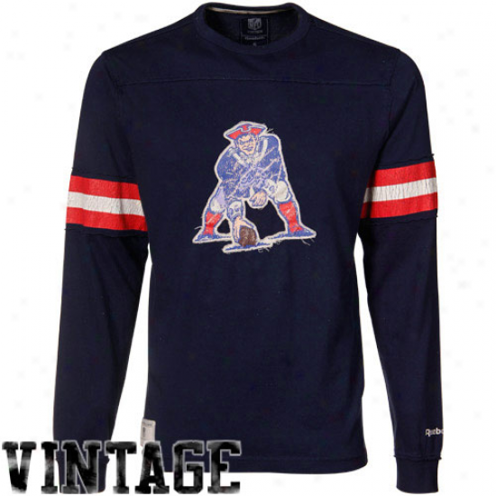 Patriots Tee : Reebok Boston Patriots Navy Blue Vintage Applique Premium Long Sleeve Tee