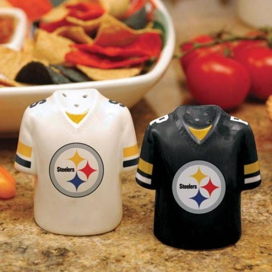 Pittsburgh Steelers Gameday Ceramic Salt & Pepper Shakers