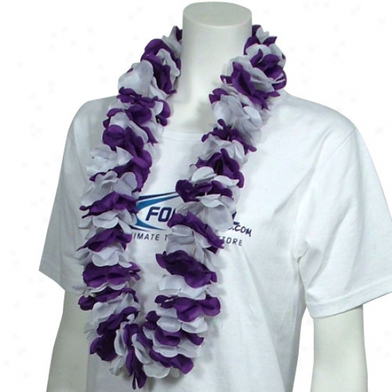 Purple & White Lei