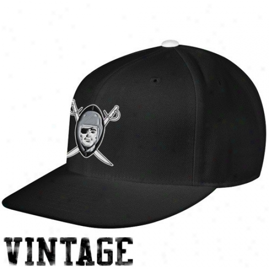 Raiders Hats : Mitchell & Ness Raiders Black Vintage Logo Fitted Hats