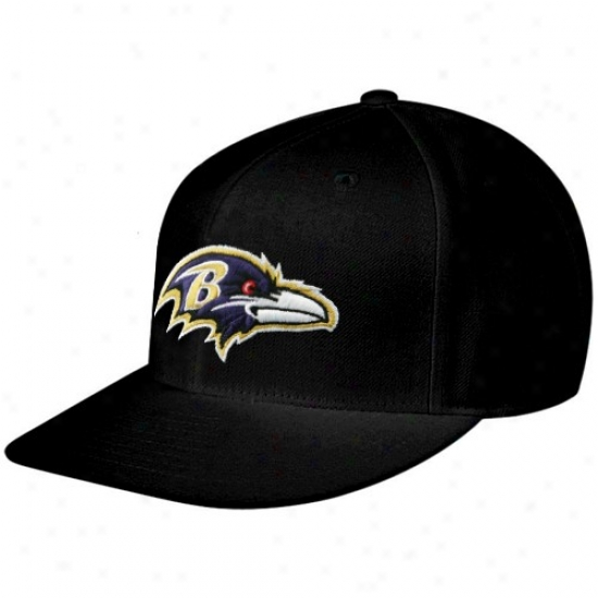 Ravens Caps : Reebok Ravens Black Sideline Flat Bill Fitted Caps