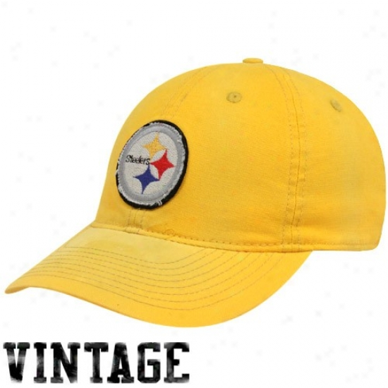 Steelers Gear: Reebok Steelers Gold Distressed Logo Slouch Flex Fit Hat