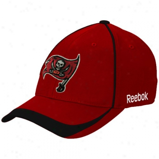 Tampa Bay Buccaneers Caps : Reebok Tampa Bay Buccaneers Red Blower Stretch Fit Caps