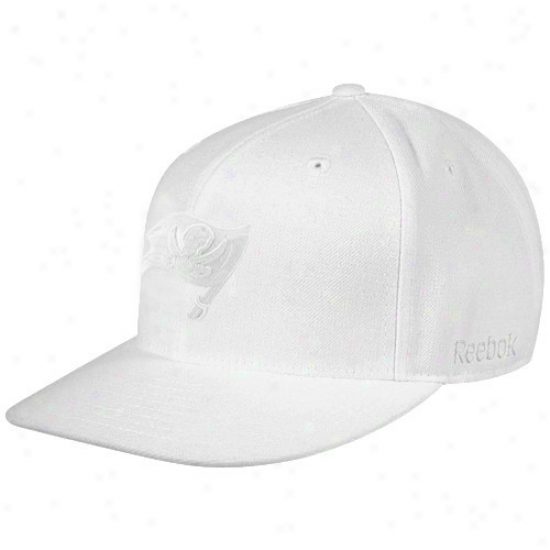 Tampa Bay Buccaneers Gear: Reebok Tampa Bay Buccaneers White Tonak Fashion Fitted Hat