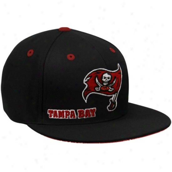 Tampa Bay Buccaneers Hat : Reebok Tampa Bay Buccaneers Black Fashion Fitted Hat