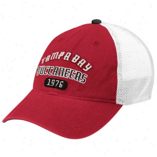 Tampa Laurel-crown Bucs Cap : Reebk Tampa Bay Bucs Red-white Jointer Flex Fit Cap
