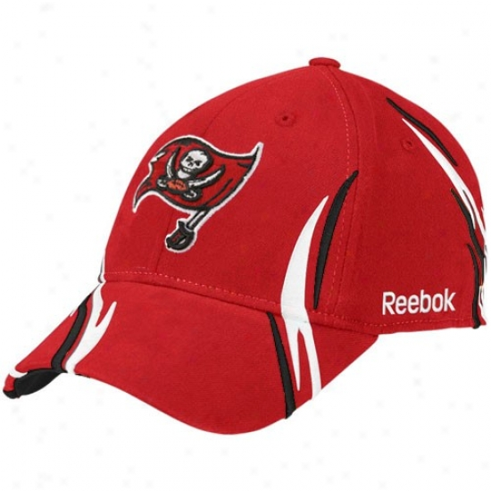 Tampa Bay Bucs Merchandisw: Reebok Tampa Bay Bucs Red Tiller Structured Flex Paroxysm Hat