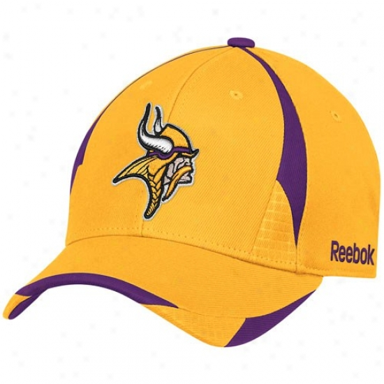 Vikings Exceed : Reebok Vikings Gold Pro Shape Structured Flex Fit Cap