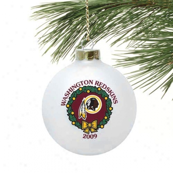 Washington Redskins White 2009 Collectors Series Wreath Ornament