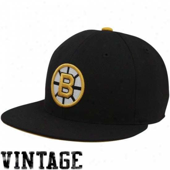 Boston Bruin Hats : Mithchell & Ness Boston Bruin Black Vintage Logo Fitted Hats