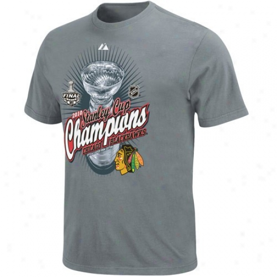 Chicago Black Hawks Apparel: Majestic Chicago Black Hawks Youth Graphite 2010 Nhl Stanley Cup Champoins Beyond Victory Official Locker Space T-shirt