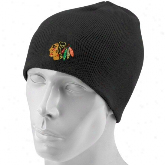 Chicago Black Hawks Hats : Reebok Chicago Dark Hawks Black Basic Logo Beanie